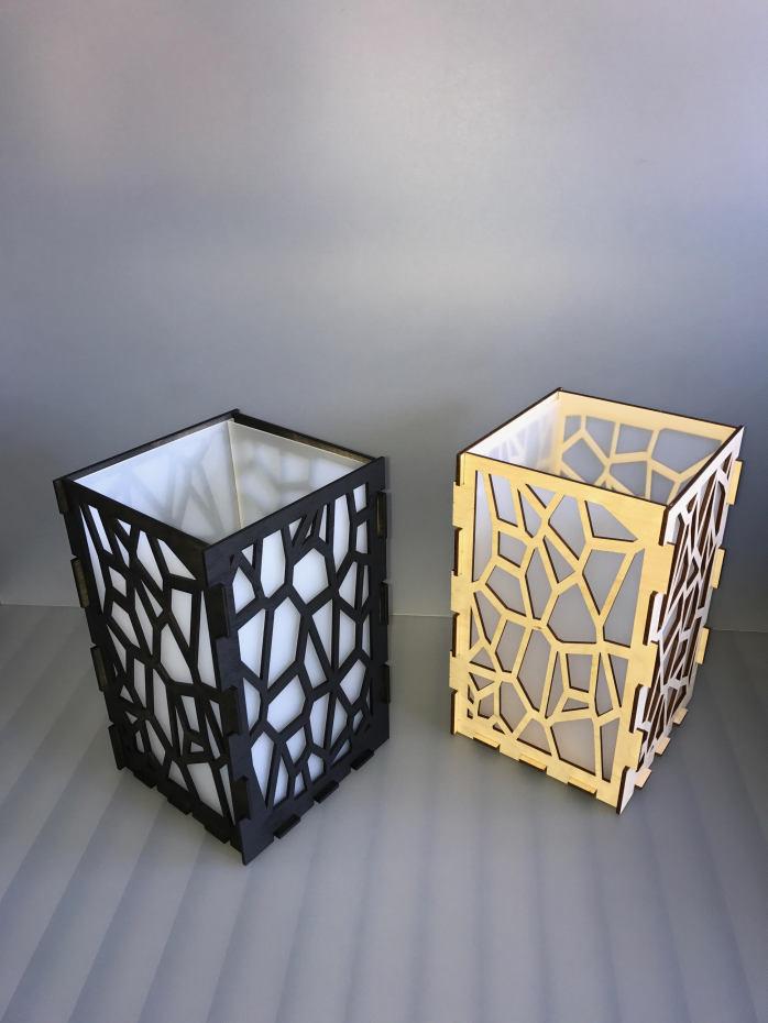 Design lamp kunststof melkglas norjo for Design lamp hout